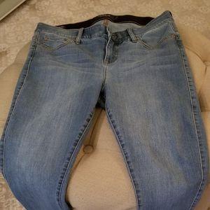 EUC Torrid Premium bombshell skinny, cropped jeans